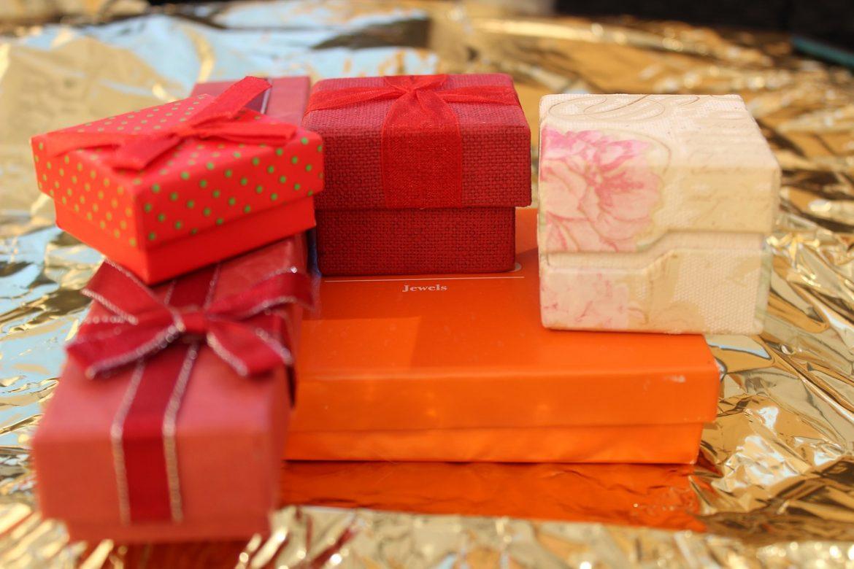 Etsitkö hyödyllisiä ja toimivia lahjoja tunnustuksen palkintojenjakotilaisuuteen?